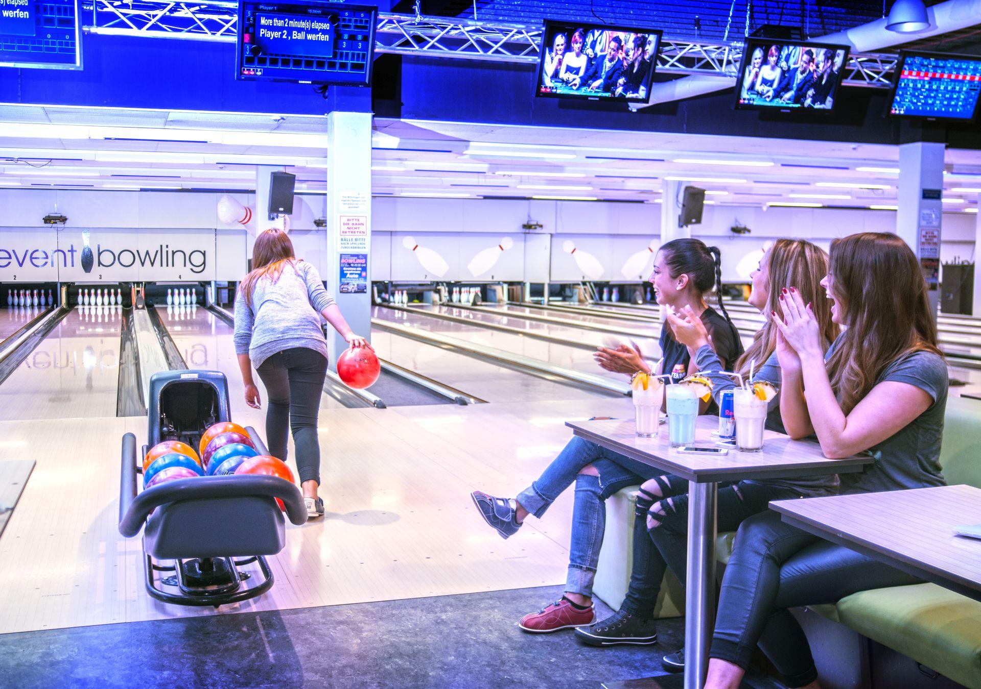 bowling deals event bowling in aachen alsdorf. Black Bedroom Furniture Sets. Home Design Ideas